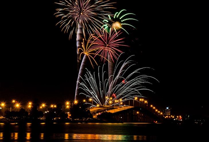 Melbourne-fireworks.jpg