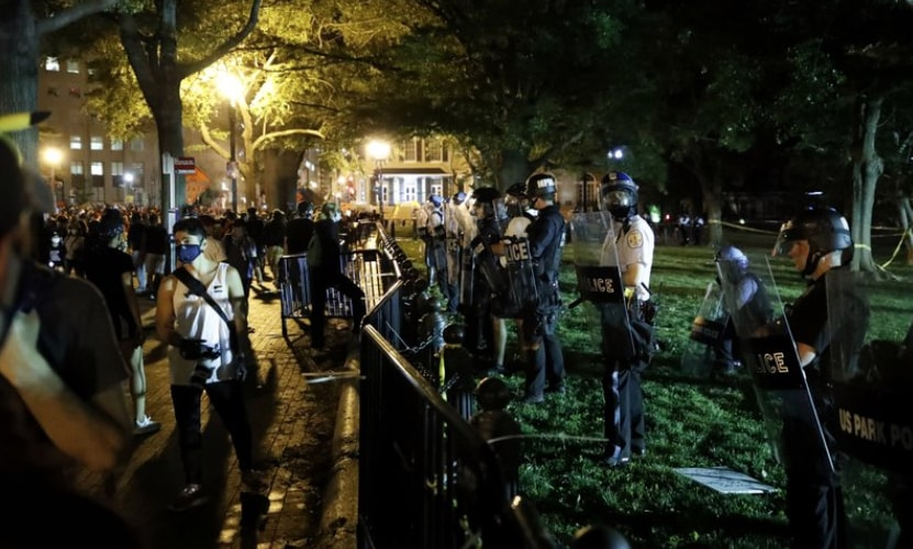 White-House-protests.jpg