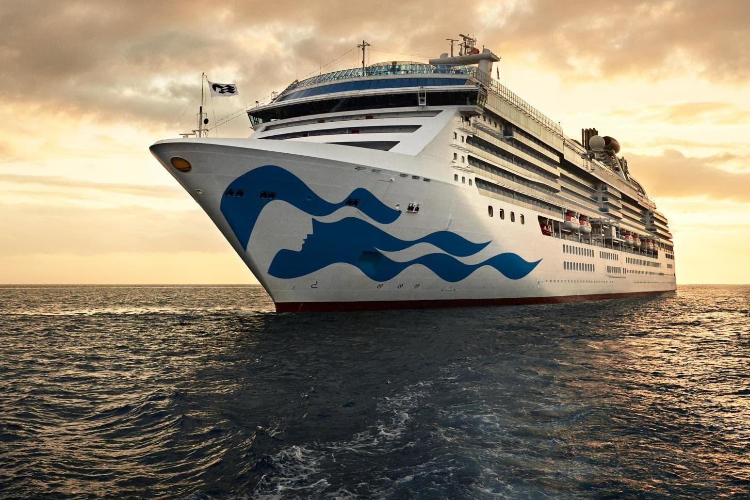 cruise-ships-stranded.jpg