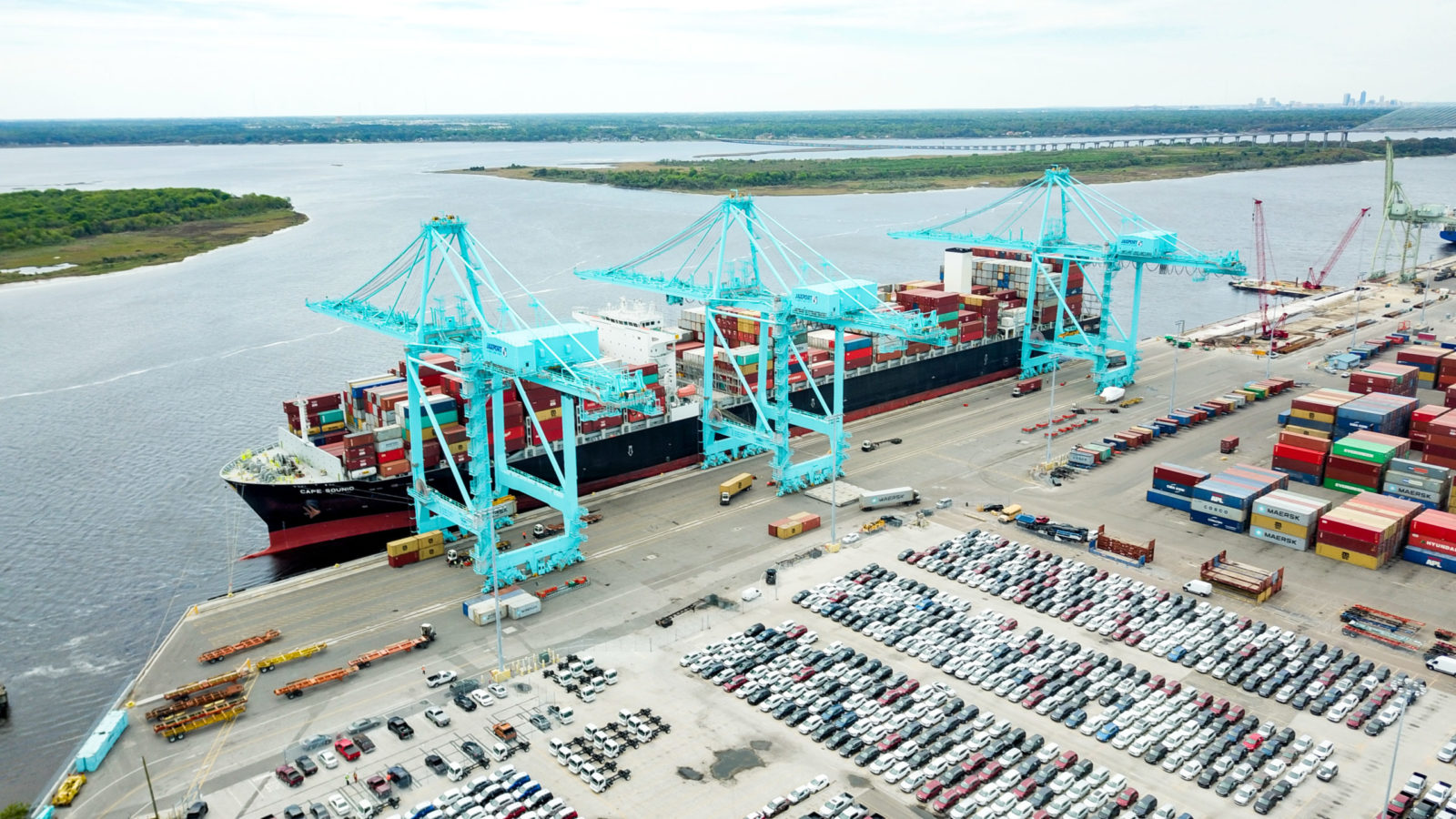 jaxport-sets-record-with-largest-container-ship-to-call-jacksonville_46499404265_o-scaled-e1589996928874.jpg