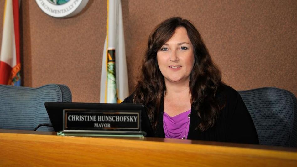 Mayor-Christine-Hunschofsky