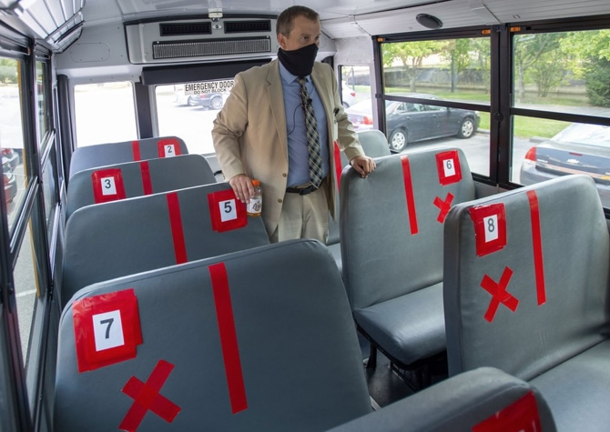 School-bus-in-Virginia.jpg