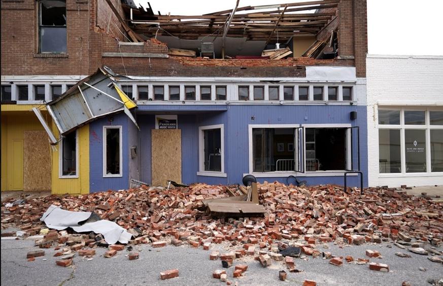 Hurricane-Laura-damage.jpg
