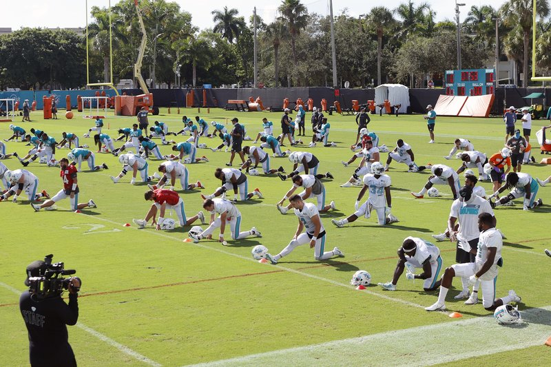 Miami-Dolphins-training-camp-2020.jpg