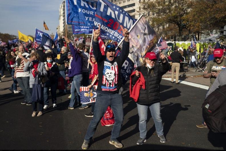 Pro-Trump-protesters.jpg