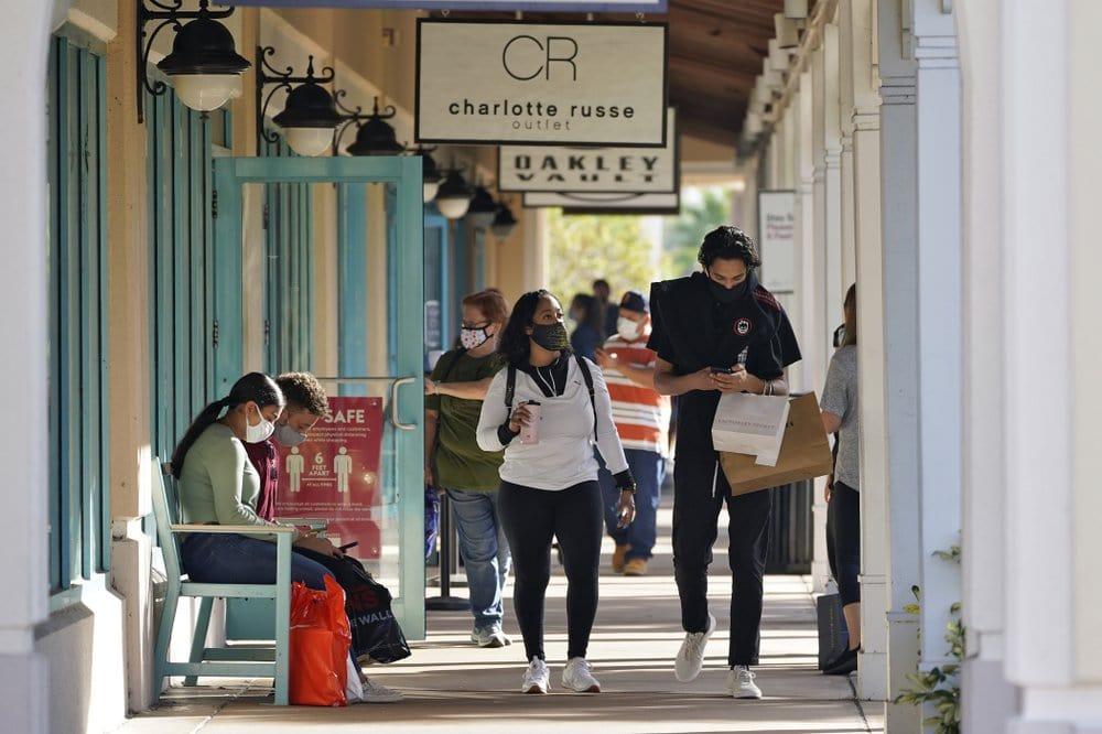 shopping-coronavirus-COVID-19.jpeg