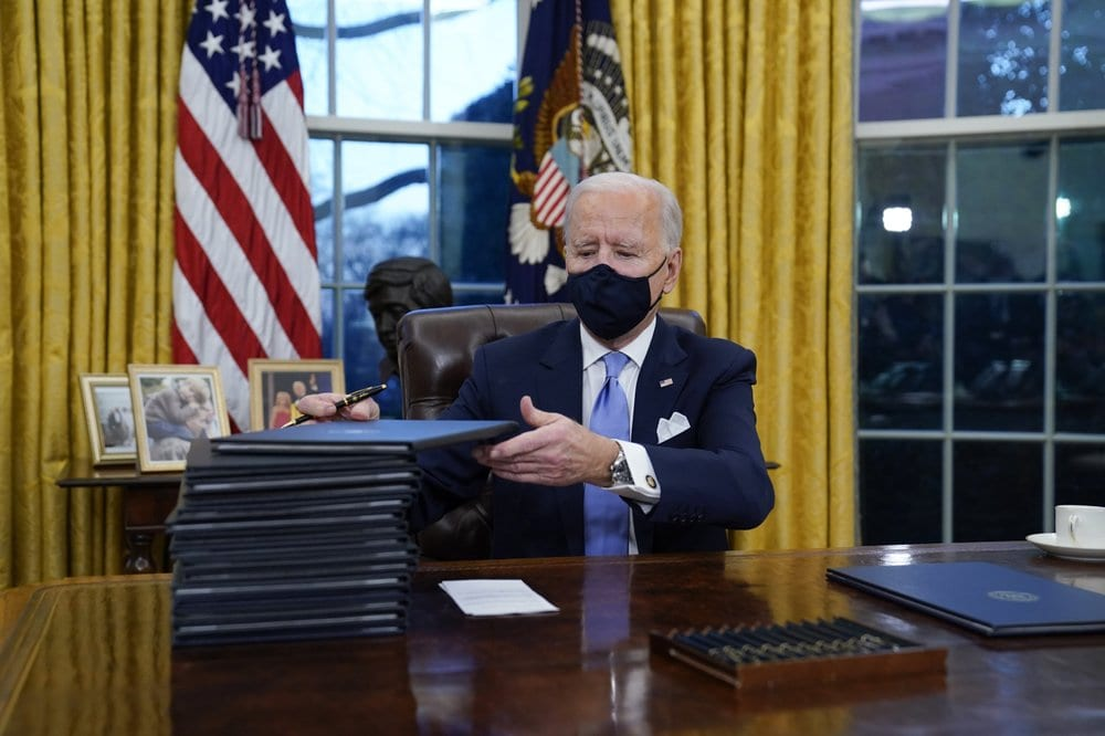 Biden-executive-orders.jpg