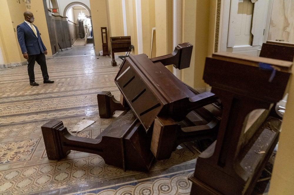 Tim-Scott-Capitol-riots.jpg