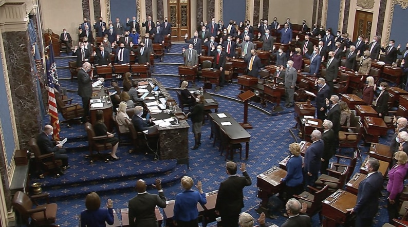 U.S.-Senate-sworn-in.jpg