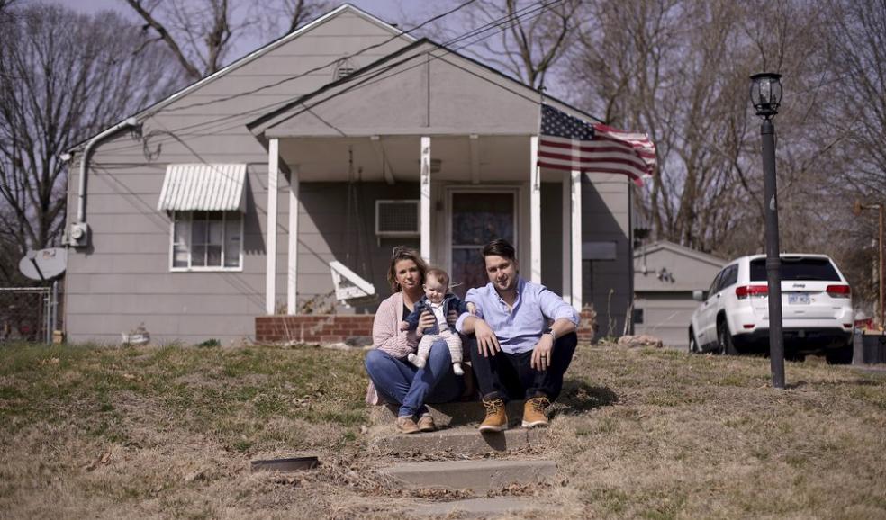 Logan, Mackenzie and Elizabveth DeSitt in Kansas City, Kan.
