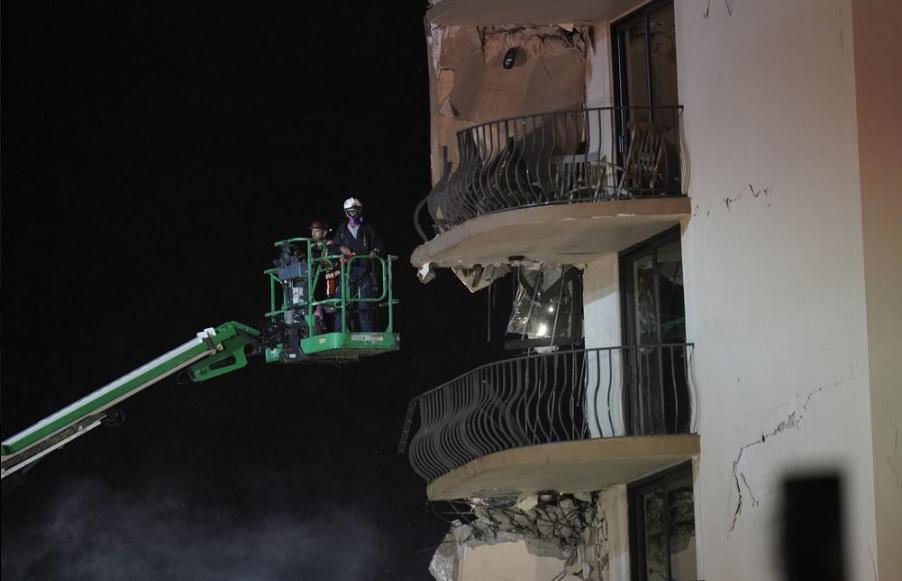 Surfside-building-collapse.jpg