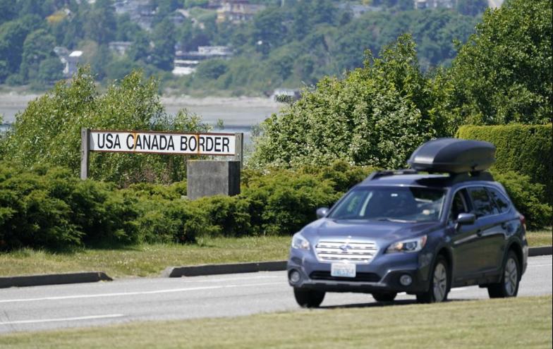 U.S.-Canada-border-in-Blaine-Washington.jpg