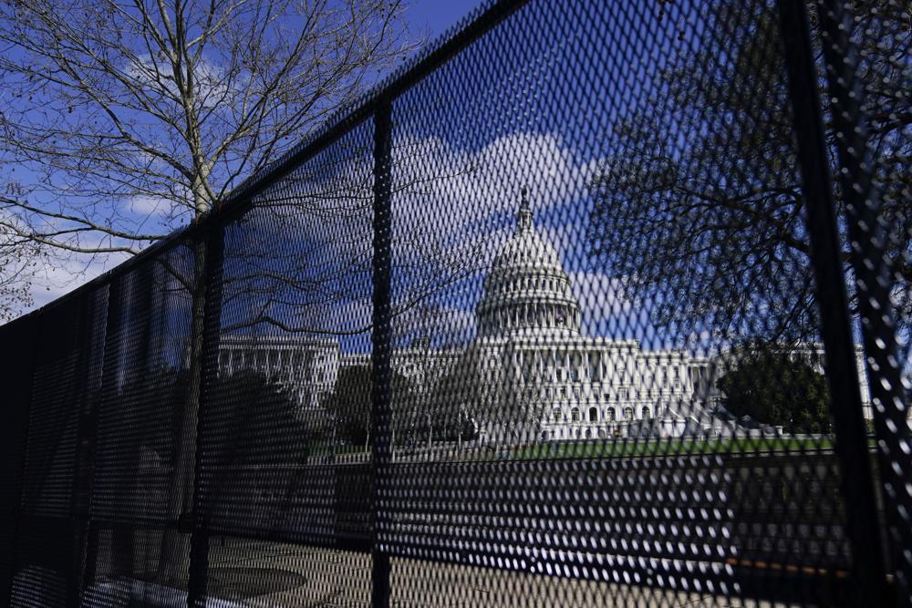 U.S.-Capitol-fence.jpg